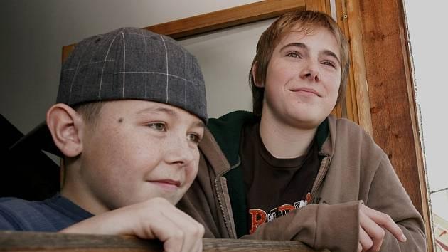 Přátelství Vráti Svobody (vlevo) s Tomášem Honcem je po nehodě v Týnci nad Labem možná ještě silnější.