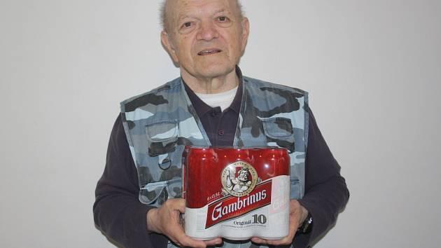 Pavel Filoun z Lipan získal karton piv značky Gambrinus. Cenu za něho převzal bratr Ladislav.