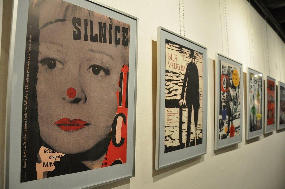 Výstava Umění ve službách reklamy / Užitá grafika na Kolínsku v Červinkovském domě v Kolíně.