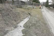 Splašky někdo vypouští do dešťové kanalizace