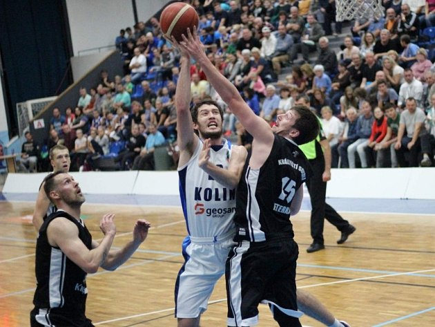 Z utkání BC Geosan Kolín - Hradec Králové (104:78).