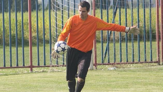 Brankář Nučic Tomáš Krutský.