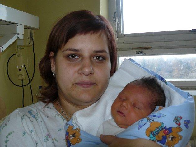 Tomáš Pršo se narodil 2. prosince v Kolíně. Vážil 3500 gramů a měřil 53 centimetrů. Doma v Plaňanech ho přivítá sestřička Adéla, maminka Petra a tatínek Josef.