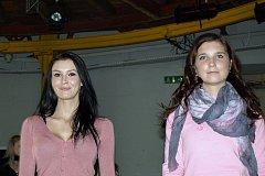 Přípravy deseti finalistek na letošní finále Miss Kolínska 2011.