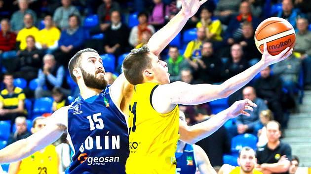 Basketbalisté Kolína prohráli v Opavě 70:91.