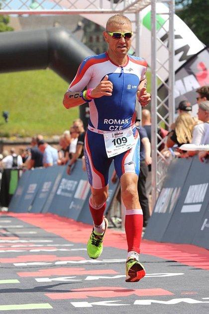 Pro triatlonistu Romana Procházku byl jeden znejvětších sportovních zážitků účast mistrovství světa vdlouhém triatlonu na Havaji.