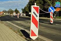 Z přestavby křižovatky silnice I/38 se silnicí III/32910 v Nové Vsi u Kolína.