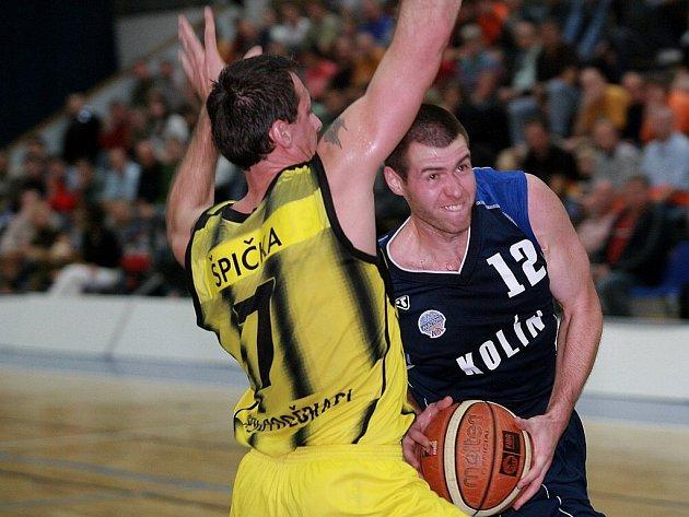 Z utkání Kolín - Sadská (76:86)