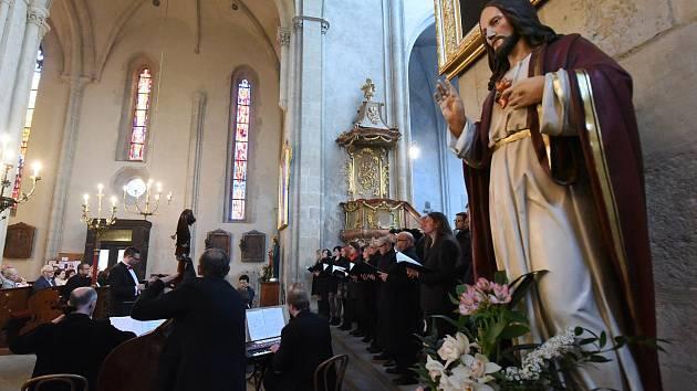 Chrámem svatého Bartoloměje zněl nedělní Velikonoční koncert