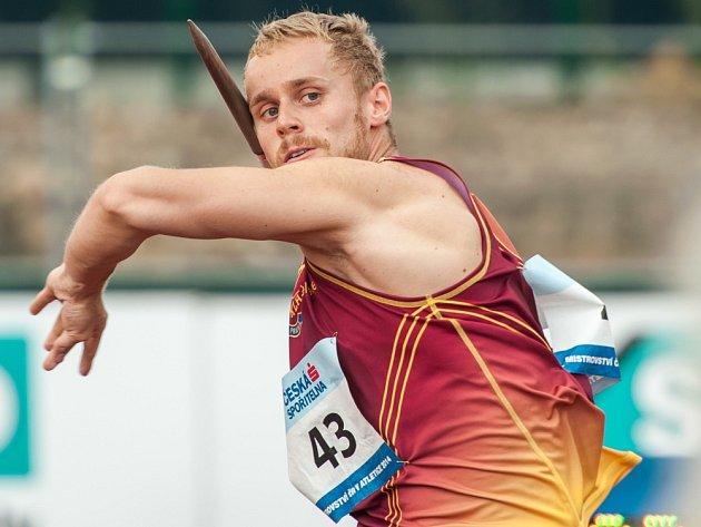 Jakub Vadlejch se  v Kolíně předvedl ve  výborném světle. V oštěpu hodil náčiní do vzdálenosti 81,03 m.