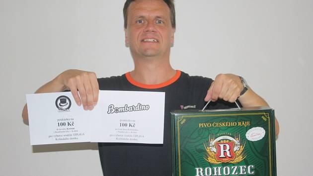 Pracovně zaneprázdněnou manželku Jitku Löweovou zastoupil manžel Miloš a domů ji přinesl  karton piv značky Rohozec, poukaz v hodnotě 100,-Kč do kavárny Kristián a poukaz v hodnotě 100,-Kč do Fresh baru Bombardino.