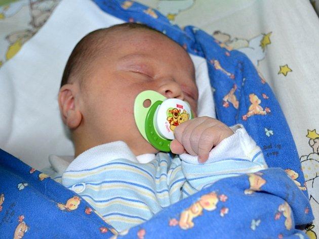 Maminka Naďa a tatínek Jaroslav se 29. ledna 2013 stali pyšnými rodiči. Tomáš Drahokoupil po narození měřil 50 centimetrů a vážil 3460 gramů. Svého prvorozeného budou vychovávat v Barchovicích.