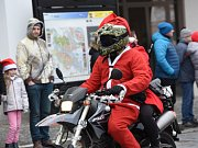 Vánoční vyjížďka motorkářů v Kolíně.
