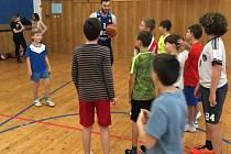 """Projekt """"Baskeťáci ve škole"""" pokračoval na 7.ZŠ Kolín."""