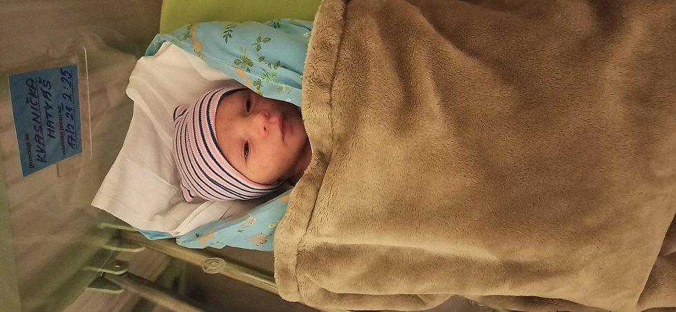 Matyáš Kvasnička se narodil 17. února 2021 v kolínské porodnici, vážil 3380 g a měřil 51 cm. V Kolíně bude vyrůstat s maminkou Anetou a tatínkem Pavlem.