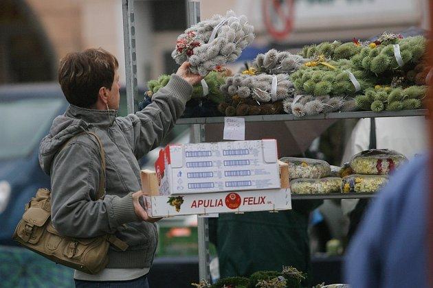 Předdušičková atmosféra na kolínském Karlově náměstí