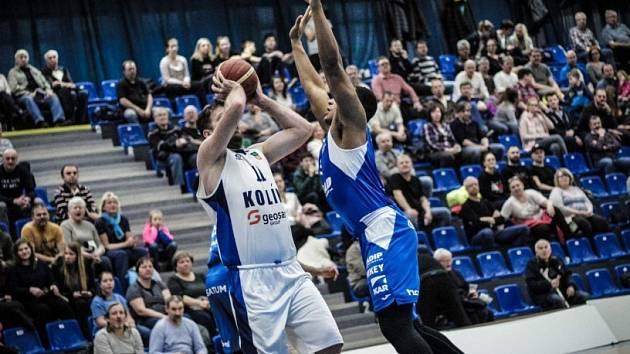 Z utkání nadstavby BC Kolín - Ostrava (87:82).