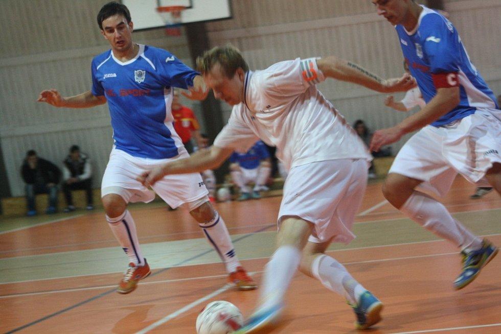 Z utkání SKP Kolín - FC O.K. Kladno (8:7).
