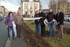 Z předání zeleně v Kolíně 22. prosince 2011. Nechyběli ani Jednatel AVE – Ing. Sova, starosta Kolína Vít Rakušan a také zástupci z Odboru regionálního rozvoje MÚ Kolín.