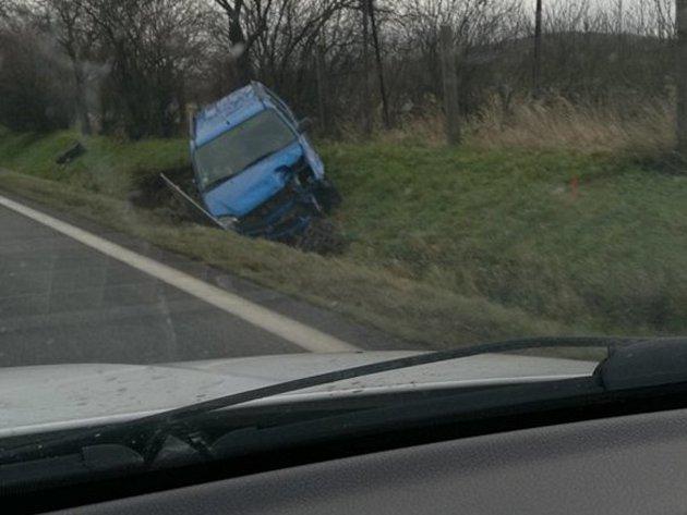 Úterní havárie vozidla Suzuki u Libenic
