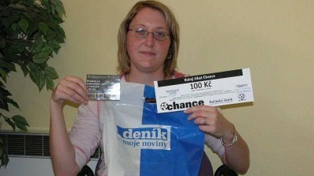 Lucie Svobodová si do redakce přišla vyzvednout dárkový sázkový certifikát Chance v hodnotě 100 korun a poukaz na pohoštění do kolínské restaurace Stoletá v hodnotě 300 korun.