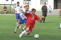 Snímek je z utkání Lysá nad Labem – Pečky. Duel jasně ovládli domácí hráči, kteří vyhráli vysoko 7:1.