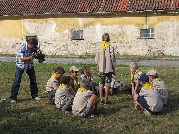 Pasování mladých skautů