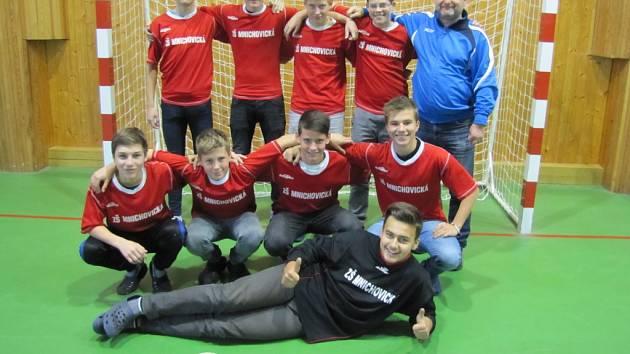Vítězná 5. ZŠ Mnichovická postoupila na krajské finále do Příbrami.