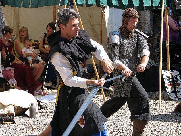 Nebovidská tvrz se postupně stává tradičním dějištěm řady kulturních akcí.