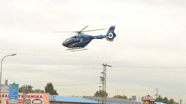 Vážně zraněného cyklistu odvezl vrtulník