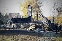 Časný ranní požár v Babicích.