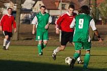 Z utkání fotbalové třetí třídy Liblice - Velké Chvalovice (10:1).