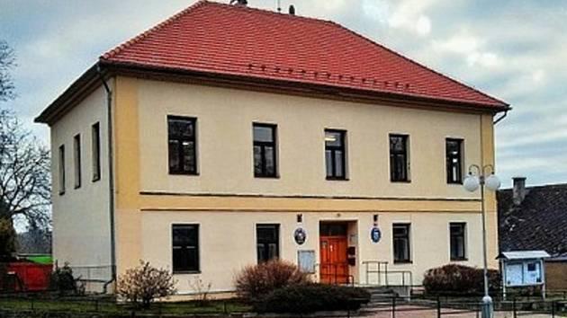 Budova školy na Vyžlovce