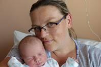 Karolína Koštová se narodila 1. srpna 2019 s mírami 3430 g a 50 cm. V Ratenicích bude bydlet s bráškou Kryštůfkem (7) a rodiči Lucií a Přemyslem.