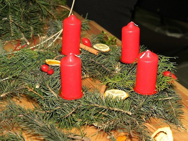 Výroba Adventních věnců v Hvězdičce