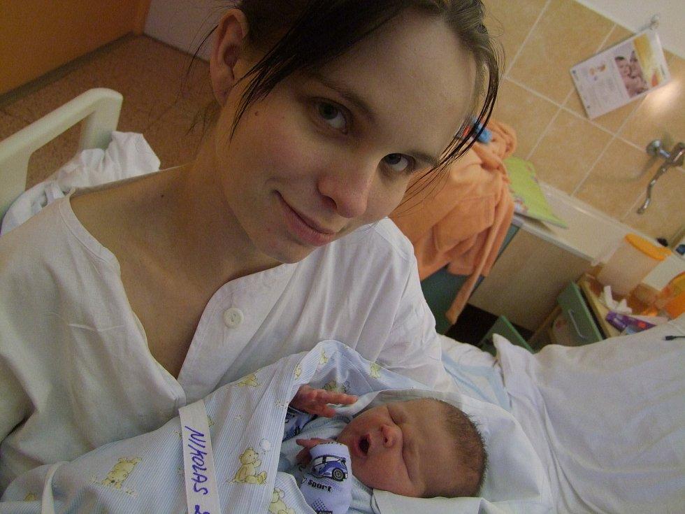 Nikolas Žižala přišel na svět 24. ledna 2018 s mírami 50 cm a  s váhou 3290 gramů. Maminka Jana a tatínek David se s ním vydají domů do Prahy.