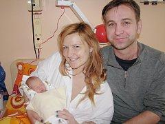 Silvie Němcová přišla na svět 31. prosince 2014, vážila 2415 gramů a měřila 45 centimetrů. Maminka Adéla a tatínek Petr si svou prvorozenou dceru odvezou domů do Poděbrad.