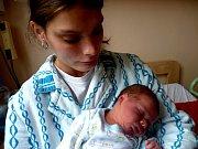 Z prvního potomka se radují maminka Petra a tatínek Zdeněk z Kolína. Zdeněk Ahnel se narodil 12. června 2012. Po svém narození měřil 46 centimetrů a vážil 2800 gramů.