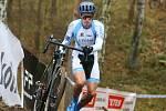Z cyklokrosového závodu Toi Toi Cup na trati v kolínských Borkách.