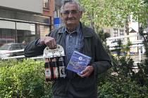 Stanislav Voháňka starší získal karton piv značky Rohozec, sázenku do sázkové kanceláře Chance a také kalendář fotbalového klubu Chelsea.