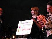 Z předávání šeků úspěšným žadatelům v grantovém programu TPCA Partnerství pro Kolínsko 2012