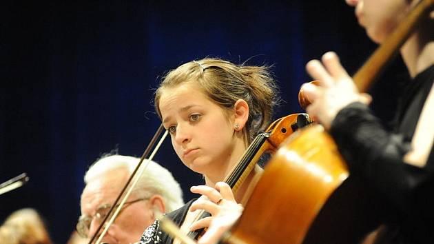 Kolínská filharmonie vstoupila Jarním koncertem do své sto šesté sezóny