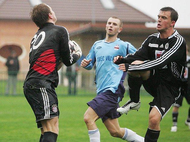 Z utkání Velim - Hradec Králové B (2:1).