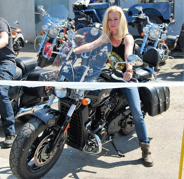 Motorkářka Andrea Soukupová zVrbčan.