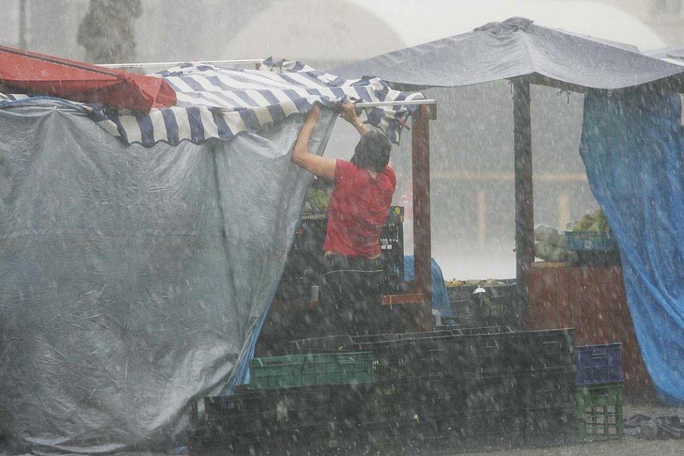 Kolínem se prohnala vichřice doprovázená silným deštěm 11.6. 2009