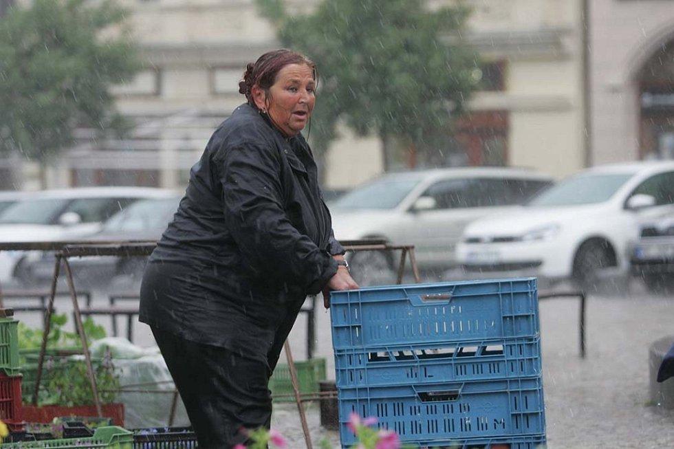 Kolínem se prohnala vichřice doprovázená silným deštěm. 11.6. 2009
