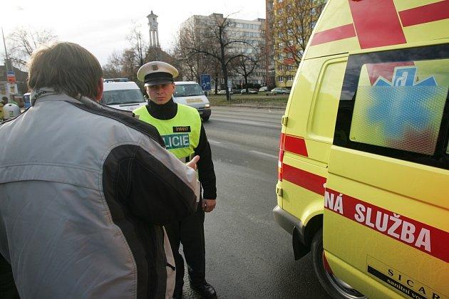 Svědci nehody na kolínském přechodu