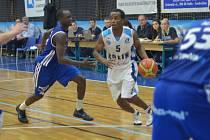 Z utkání BC Farfallino Kolín - NH Ostrava (84:65).