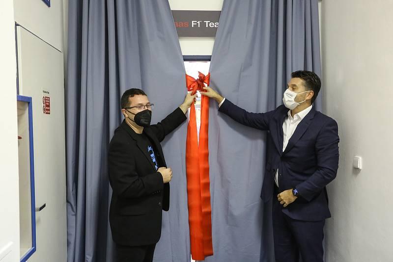 Ze slavnostního otevření nového školicího centra HAAS na Střední průmyslové škole strojírenské v Kolíně.