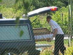 Poblíž zastávky U Jána nedaleko Ždánic došlo v pátek 2. července k neštěstí, které si vyžádalo lidský život.